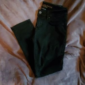 Black AEO skinny jeans